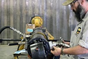 servicing hydraulic cylinder