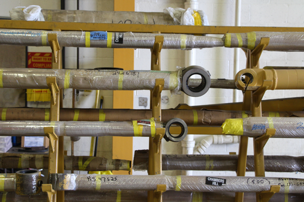 Shelf of hydraluic cylinders